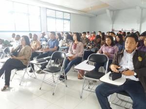 Mahasiswa ITM saat mendapat kuliah umum dari Senator SBAN Liow