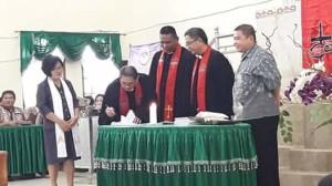 Ketua BPMJ, Pendeta Rambles Mangalehe MTh, Pendeta Hesky Manopo MTh, GMIM Exodus Kumelembuai