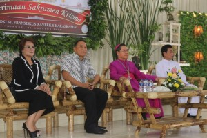 Wali Kota Tomohon, Wakil Wali Kota dan Uskup Manado