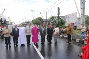 Wali Kota Tomohon, Uskup Manado dan pejabat lainnya