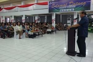 Mendidik Anak Zaman Now, Maximiliaan J Lomban