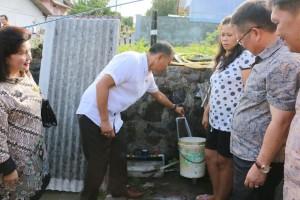Wali Kota Tomohon memeriksa jaringan proyek Hibah Air Minum MBR