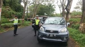 Polres Minahasa bersama Dinas Perhubungan Tangkal Taksi Gelap