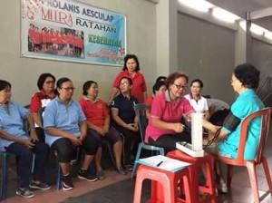 Dr Lily Mawati, Periksa Kesehatan Gratis