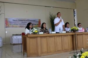 Wali Kota Tomohon Jimmy F Eman membeirkan sambutan