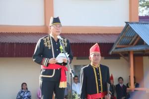 Wali Kota Tomohon membacakan sambutan Menteri Hukum dan HAM