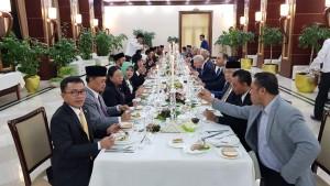 SEnator SBANL dalam jamuan makan di pertemuan Parlemen Sedunia