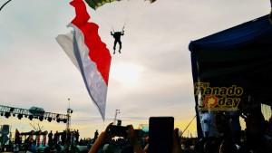 Penerjun Payung, Manado Fiesta 2018, Pingkan Mandagie