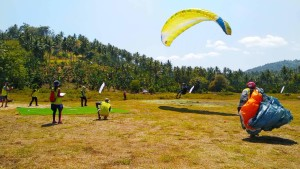 Paragliding International Accuracy Open Flying ,Manado Fiesta 2018, kejuaraan paralayang, gunung tumpah