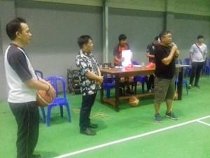 Ketua Panitia Haornas AKBP I Ketut Agus Kusmayadi SIK menutup pertandingan Basket