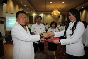 dr. Kartika Devi Tanos Pimpin PDUI Sulut