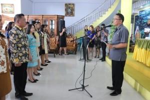 Wali Kota Jimmy F Eman SE Ak melantik Forum Protokol Kota Tomohon