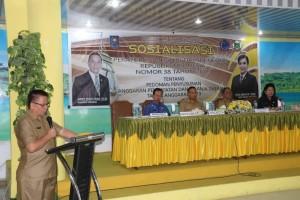 Kepala Badan keuangan daerah Drs Gerardus Mogi menyampaikan laporan kegiatan