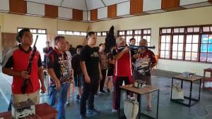 Ketua Panitia Haormas Tomohon membuka pertandingan menembak