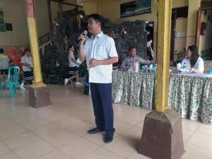 Kadispora Kota Tomohon Toar JS Pandeirot SPd MM saat membuka pertandingan Pencak Silat