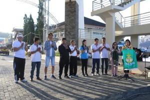 Asisten Administrasi Umum membawakan sambutan wali kota di acara pembukaan