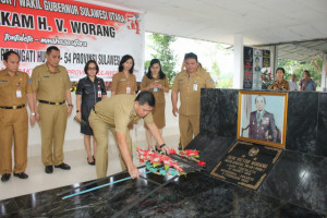 Jelang HUT Provinsi Sulut ke-54, OD-SK Ziarah ke Makam Mantan Gubernur dan Wagub