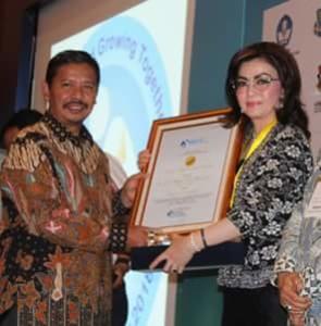Bupati Minsel Terima Penghargaan IGI