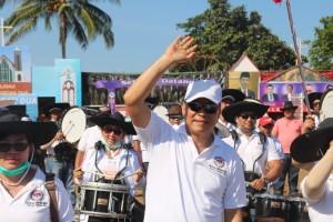 Wali Kota Tomohon Jimmy F Eman SE Ak ikut Pawai Kegiatan 84 Tahun GMIM Bersinode