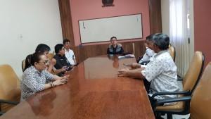 Senator SBANL menjelaskan tugas pokoknya sebagai anggota PURT DPD-RI kepada staf DPD-RI Perwakilan Sulut