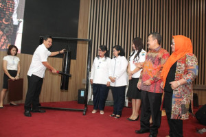 Wagub Kandouw Buka Forum Interaktif Pengawasan Obat dan Makanan Pada Media Promosi Lokal