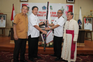 Kandouw Lepas Kontingen Pesparani Katolik Keuskupan Manado