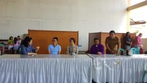 Miky JL Wenur dan Stefanus BAN Liow meninjau pelaksanaan pelayanan kesehatan dalam rangka HUT ke-1 Wilayah Tomohon Empat