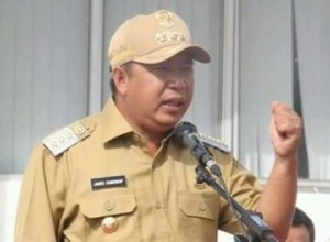 James Sumendap,  Sampah Plastik
