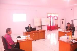 Kabag Humas  saat menjadi mentor pada Proyek Perubahan Kasubag