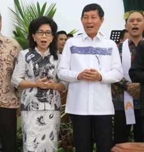 Penatua Vicky Lumentut Hadiri Ibadah HUT ke-24 GMIM Bukit Kalvari Karombasan