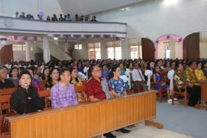 jajaran Pemerintah Kota Tomohon bersama Jemaat GMIM Solafide Tinoor
