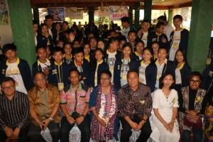 Menteri PPPA, Wali Kota Tomohon bersama peserta Jambore Anak