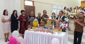 Pemasangan Lilin HUT ke-52 GMIM ''Bait El''  Kamasi Wilayah Tomohon Dua