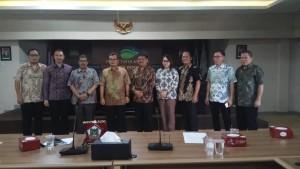 Foto bersama Komisi II DPRD Tomohon dengan PDAM Depok