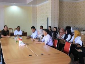 Sekretaris Komisi I Djemmy Sundah SE menerima Kunker DPRD Gorontalo Utara