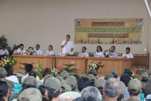 Wali Kota Tomohon berdialog dengan  perangkat kelurahan dan Linmas
