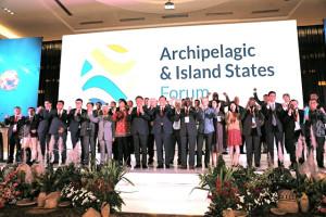 Sulut Tuan Rumah AIS Forum, Gubernur Olly: Negara Kepulauan Tingkatkan Ketahanan Dampak Perubahan Iklim