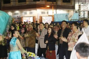 Wali Kota Tomohon Jimmy F Eman SE Ak, Ketua DPRD Ir Miky JL Wenur dan para pejabat Tomohon di Ibadah KPI
