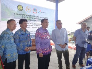 Nelayan Kota Manado. Micler Lakat,GS Vicky Lumentut , Kementerian ESDM, Irjen Pol Purn Drs Widyo Sunaryo,