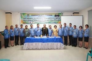 Sekretaris Kota, narasumber serta para peserta rakor TPID