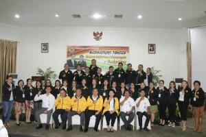 Wali Kota Tomohon, jajaran pejabat, narasumber dan peserta Bimtek