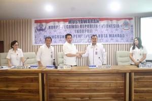 Lakat Jabat Ketua KORPRI Manado, Wawali Mor: Ciptakan Pemerintahan yang Berwibawa