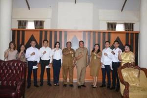 Lima putra dan putri terbaik Kota Tomohon yang akan ikut Diklat di BP3 Palembang