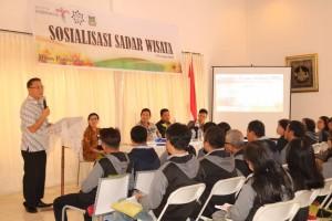 Wali Kota Tomohon Jimmy F Eman SE Ak membuka sekaligus membawakan sambutan