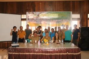 pemerintah Kota Tomohon bersama peserta Pelatihan Budidaya Bawang putih