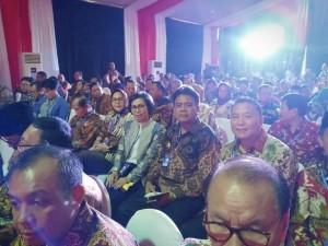 Wali Kota Tomohon bersama kepala daerah penerima penghargaan