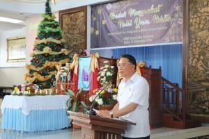 Wali Kota Tomohon Jimmy F Eman SE Ak memberikan sambutan Natal di Pohoin Terang Dinas Dikbud