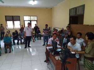 Disdukcapil Minsel Lakukan Perekaman e-KTP di Kecamatan Kumelembuai