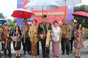 Pukul Tetengkoren tanda peresmian Taman Kabasaran