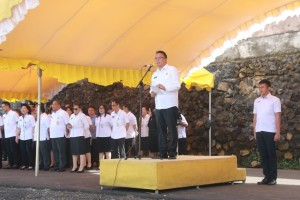 Wali Kota Tomohon membawakan sambutan pada Apel Perdana